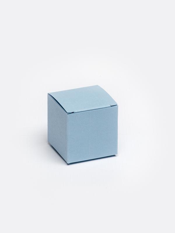 lichtblauwe kubus in karton om zelf te vullen