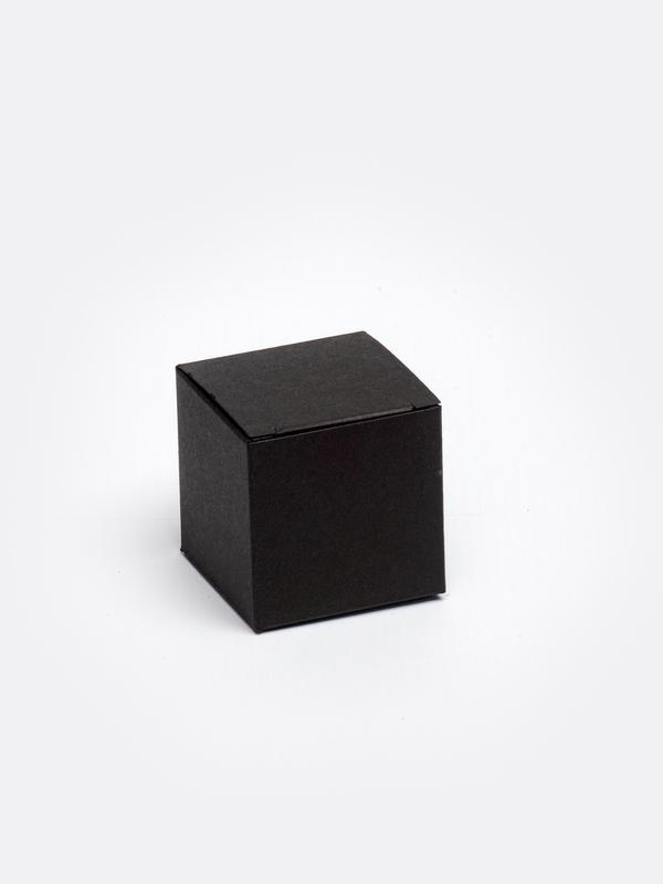 Zwarte kubus in karton om zelf te vullen