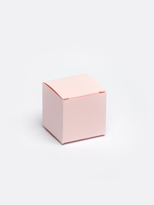 Roze kubus in karton om zelf te vullen