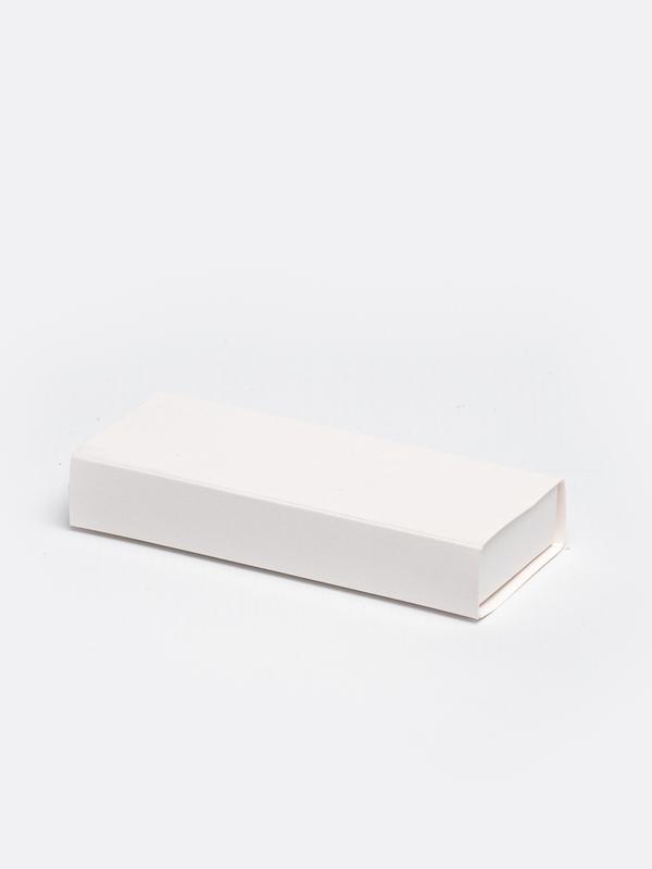 Wit lang inschuifdoosje karton om zelf te vullen