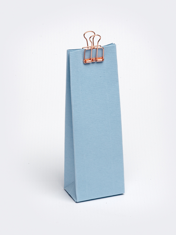 Licht blauw hoog tasje in karton om zelf te vullen