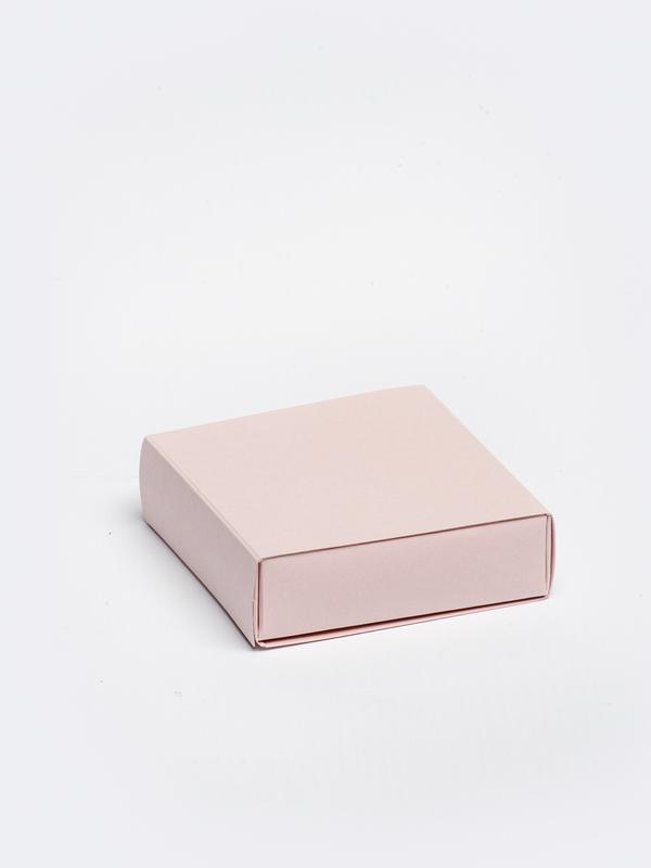 Nude vierkante doos in karton om zelf te vullen