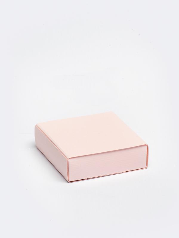 Roze vierkante doos in karton om zelf te vullen